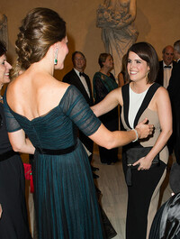 kate-middleton-hugging-princess-eugenie