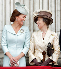 kate-middleton-princess-anne-laughing