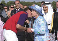 the-queen-kisses-prince-william