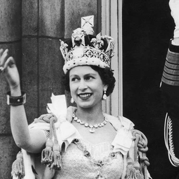 10 incredible photos from the Queen's Coronation in 1953