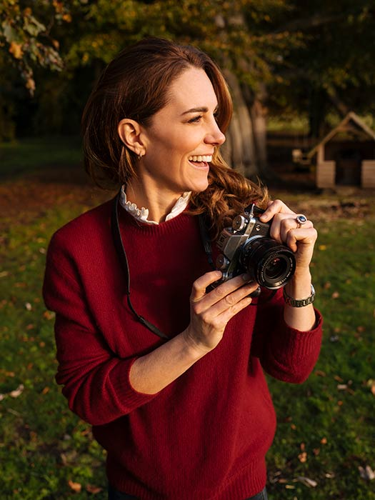 kate-middleton-pictured-camera
