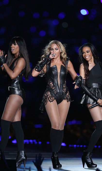 Kelly Rowland, Beyoncé and Michelle Williams reunited for an electrifying performance at the 2013 Super Bowl.
