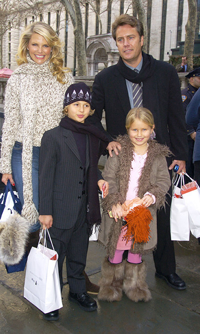 Christie, her then-husband Peter Cook and her adorable blond children, son Jack and daughter Sailor, were seen shopping together during a family outing.