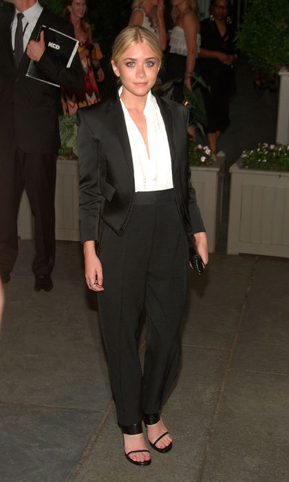 Ashley Olsen stole the show in tuxedo-esque Calvin Klein harem pants at the 2009 CFDA Awards.