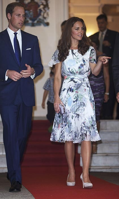 A dinner and musical performance at the British High Commissioner's residence, Eden Hall, was next on the agenda, and the handsome royals made quite the dapperpair. Kate coordinated her blue-and-white, floral print Erdem dress, from the Canadian designer's Spring/Summer 2012 collection, with William's blue suit. (Photo: © Ian Vogler - Pool/Getty Images)