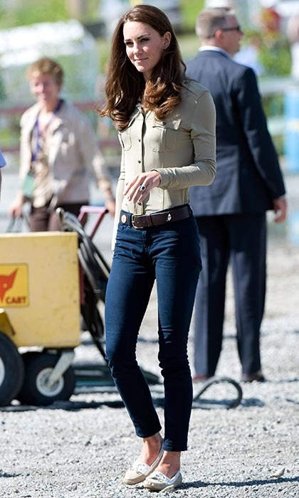 Later that day, Kate slipped into something more appropriate – J Brand skinny jeans, a taupe safari shirt, and Sebago moccasins – to board a floatplane before flying to Blachford Lake.