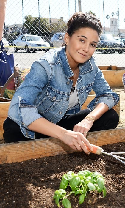 <h3>EMMANUELLE CHRIQUI</h3>