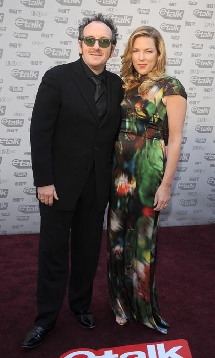 Dynamic duo Elvis Costello and Diana Krall arrived at the 2009 Juno Awards and gave a lesson in contrast. Elvis wore head-to-toe monochromatic black, looking every inch the old-school jazzman, while Diana popped in a vibrant printed gown and glamorous blond waves. (Photo: George Pimentel/WireImage)