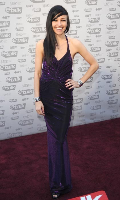 New Artist of the Year winner Lights (a.k.a. Valerie Anne Poxleitner) abandoned her usual headband-tank top combo for a jaw-dropping purple velvet gown at the 2009 Juno Awards. (Photo: George Pimentel/WireImage)