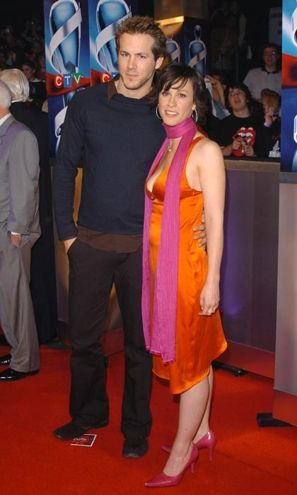 We sometimes forget that Ryan Reynolds and Alanis Morissette were once married. The actor and his rocker wife arrived at the 2004 Junos in pared-down ensembles, representing what one might call a glamorous Gap moment. (Photo: George Pimentel/WireImage)