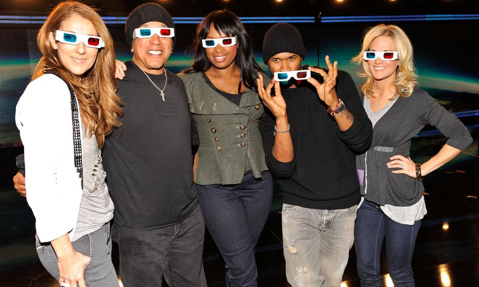 Sporting stylish 3D glasses, Celine posed backstage with Smokey Robinson, Jennifer Hudson, Usher and Carrie Underwood at the 2010 Grammy Awards. (Photo: © Getty)