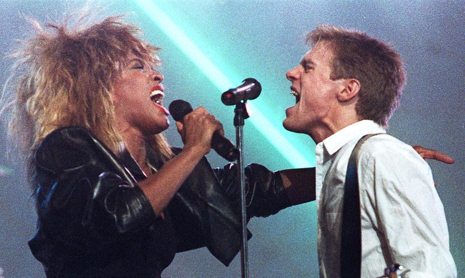 "<p>Seeing Bryan Adams and Tina Turner perform ""It's Only Love"" live at the 1985 Juno Awards would be like being in the waiting room while the royal baby was being delivered. This star-studded duo gave birth to one of the most unforgettable musical performances the Junos had ever seen.</p>