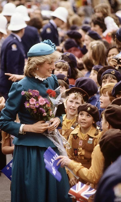In an ensemble we could easily see on Diana's daughter-in-law, Kate, the Princess of Wales met the crowds on a walkabout through the Wellington city centre on Apr. 20, 1983.