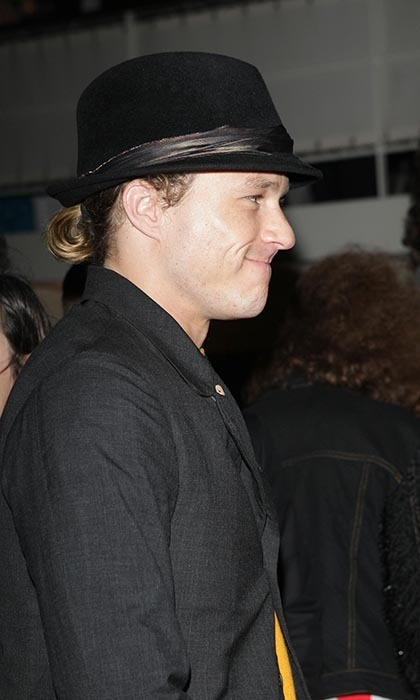 A lot of men could take a page out of the late Heath Ledger's hair book. Though the talented actor left us too soon - and his portrayal of the greasy, yellow-maned Joker haunts our dreams - he did a fedora-bun combo like no other. Here, the actor looked effortlessly chic attending an Alberta Ferretti boat party at the 2007 Venice Film Festival.