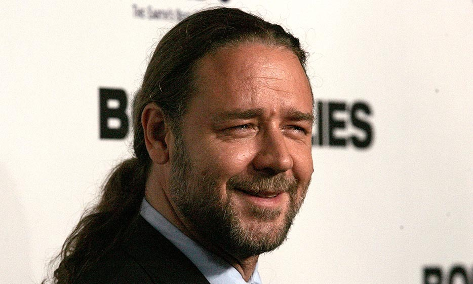 Though they're no longer together (and we don't think the hair was to blame!), Russell Crowe married his wife of a decade with his blond locks swept back into a pony, though the version he wore at the 'Body of Lies' premiere in 2008 was a tad more limp.