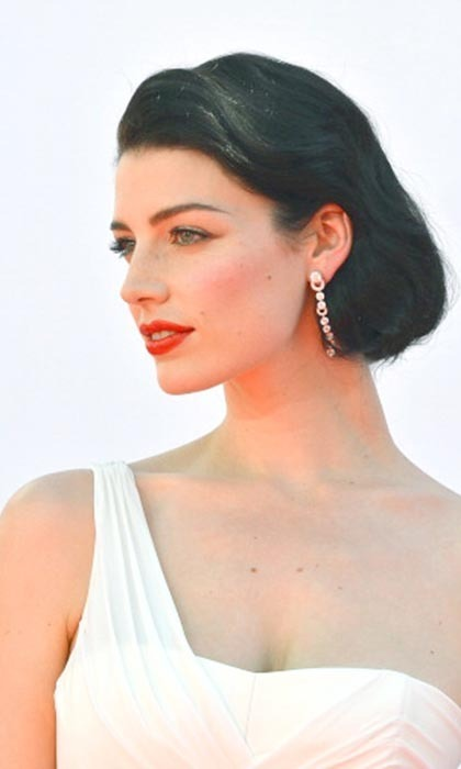 JESSICA PARE, 33: She sizzles as Don Draper's younger, hipper wife Megan on 'Mad Men,' and Jessica gets a taste of home at L.A.'s fantastic restaurants, which she says remind her of living in Montreal. Photo: © Getty Images
