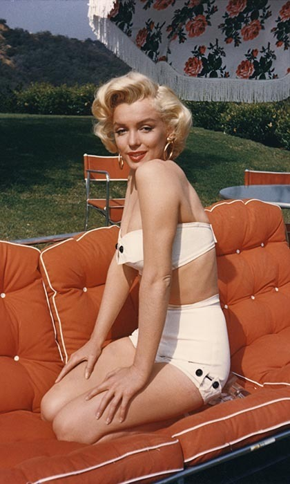 At the height of her fame in the 1950s, Marilyn received 5000 fan letters a week and had admirers in famed authors like T.S. Eliot and Truman Capote, not to mention close personal friends in the likes of Frank Sinatra and Shelley Winters.
