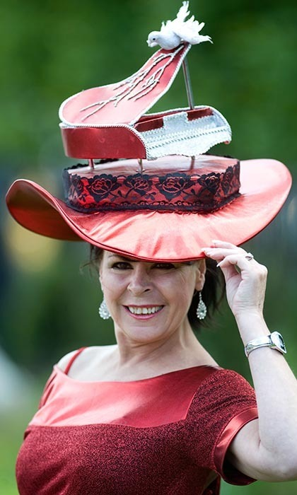 How grand: This woman's grand piano-themed hat hit all the right Ascot style notes. 