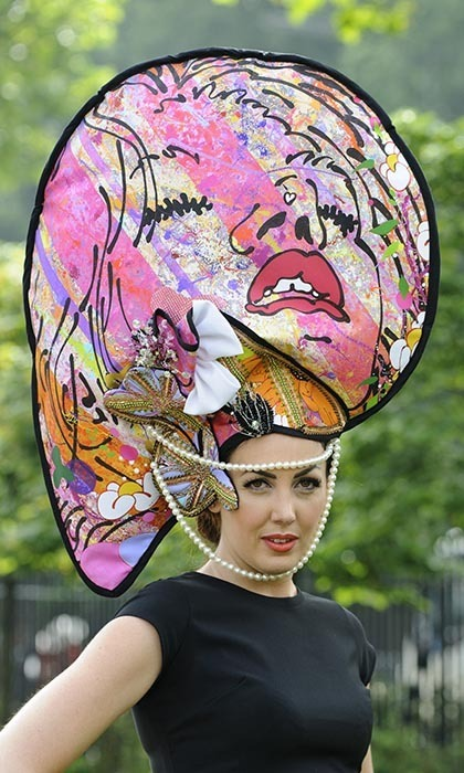 Inspired by the UK artist Louise Dear, model <strong>Carla Creegan</strong> wore a lavish piece of art on her head as commissioned by Castle Galleries. 