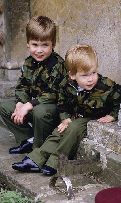 <p>Foreshadowing their future military careers, the brothers sat together on the steps of Highgrove House wearing matching army uniforms on July 18, 1986.</p>