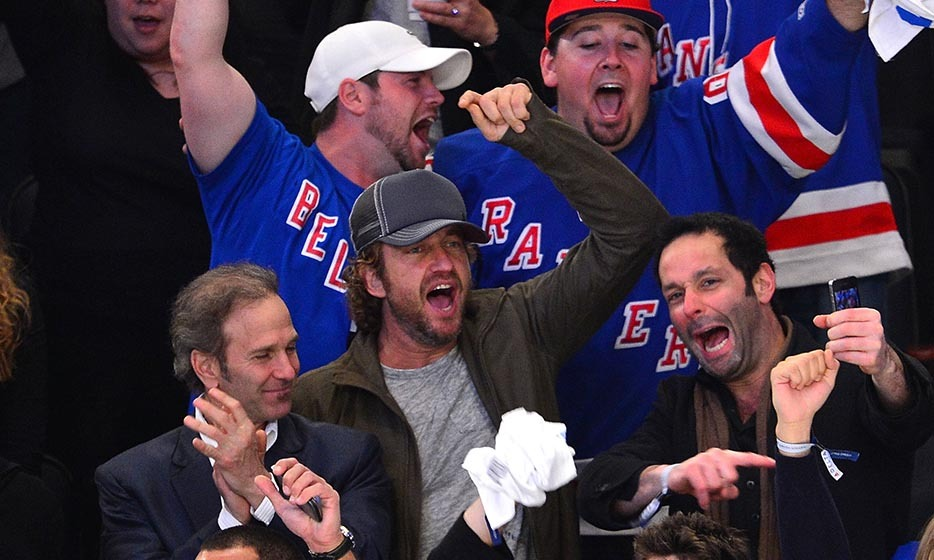It was a big night for the New York Rangers in 2012 when they played the New Jersey Devils in the Stanley Cup playoffs. Gerard Butler came to cheer for the Rangers, as did Kate Upton, Cory Monteith and Lea Michele. (Image: James Devaney/Getty Images)