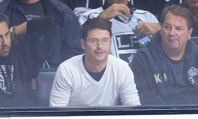 Kevin Connolly is no stranger to the stands, often a spectator at games with longtime pal Leonardo DiCaprio. Here, the 'Entourage' star watched the Los Angeles Kings take on the San Jose Sharks on Oct. 8. (Photo: Noel Vasquez/Getty Images)