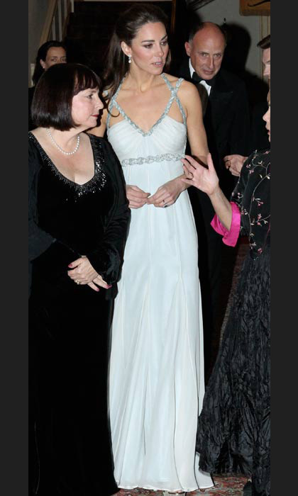 Wowing in Amanda Wakeley at a solo charity engagement in October, 2011.