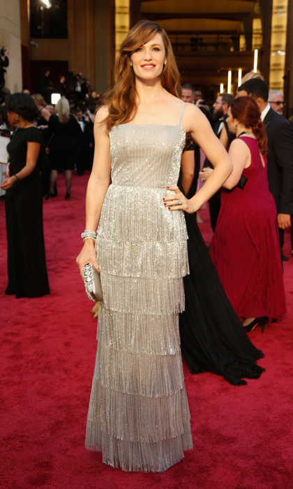 Jennifer Garner sparkled at the Oscars in a shimmering, flapper-inspired dress. (Photo by Jeff Vespa/WireImage)