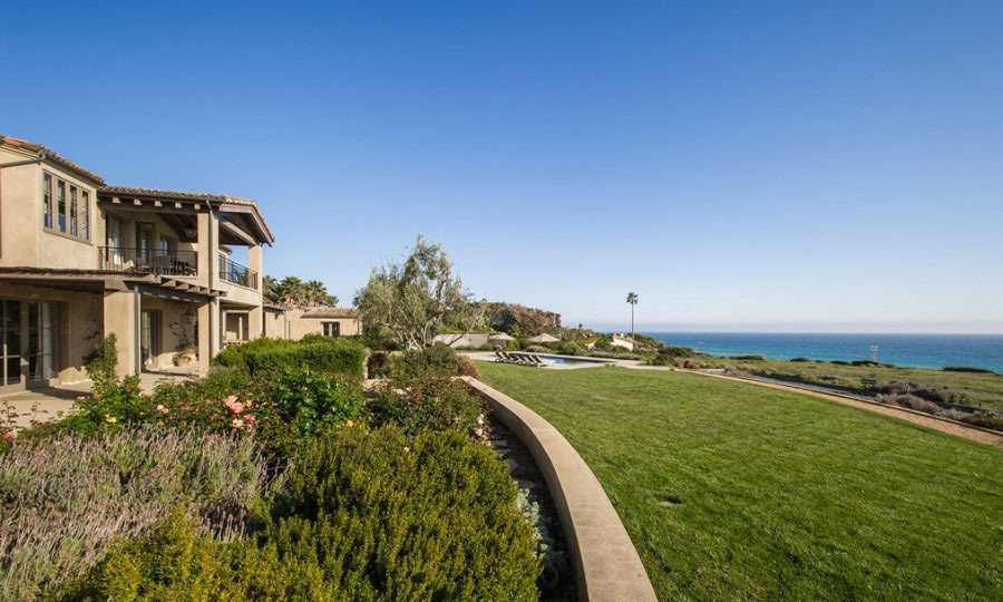 Fresh patches of green grass accent Lady Gaga's new backyard, which overlooks Malibu's gorgeous beaches. (Image: Zillow)