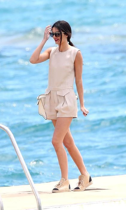 Kendall was the epitome of summer-chic in a beige playsuit as she spent some time in Cannes in 2014. Photo: © Getty Images