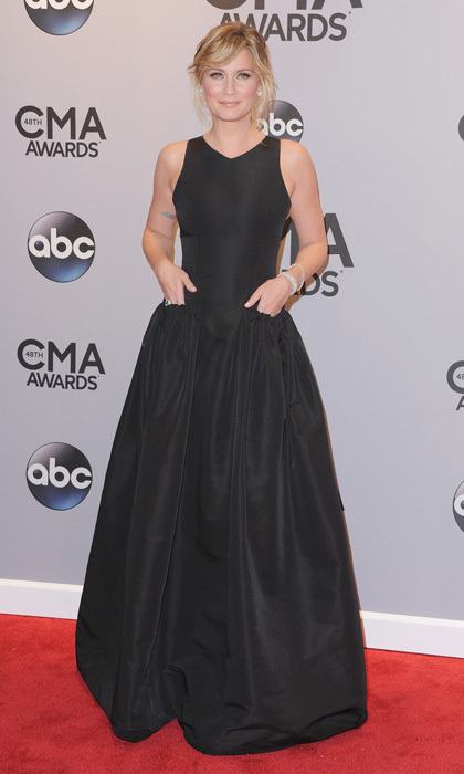 This is how you do pockets at a black-tie affair - a definite score for 'Nashville' star Jennifer Nettles. (Photo: Getty Images)