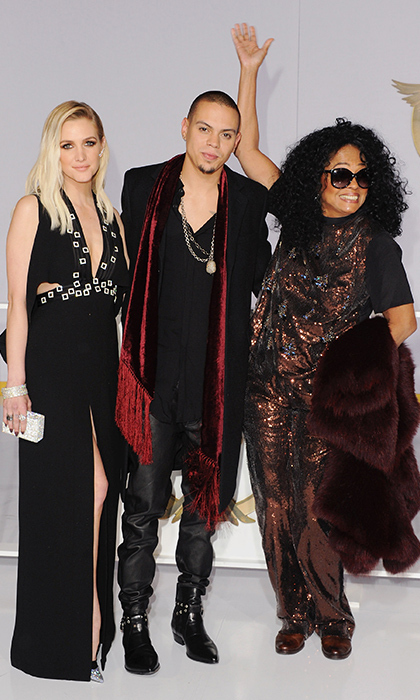 Ashlee Simpson, Evan Ross and Diana Ross: Rock-and-roll chic was the name of the sartorial game for the Simpson/Ross family, with newly married Ashlee in Cengiz Abazoglu. (Photo: Getty Images)