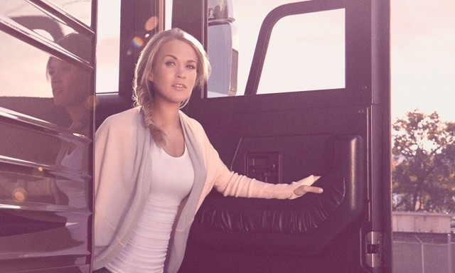 Carrie Underwood To Launch An Athletic Clothing Line With