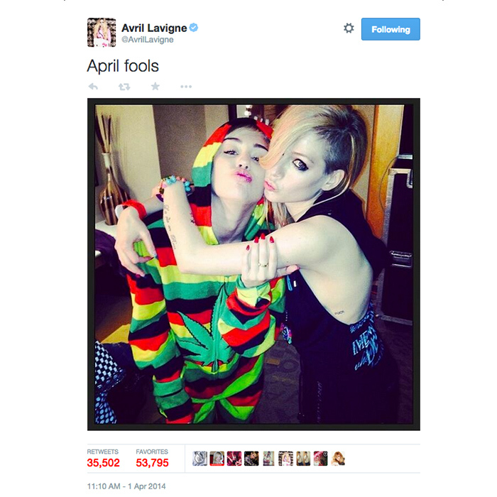 "8. Avril Lavigne posts an April Fools ""feud"" joke with Miley Cyrus. (35,507 RTs)"