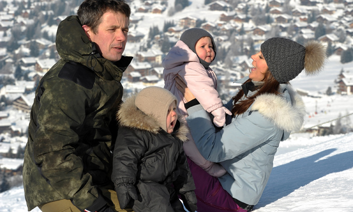 A yawning Prince Vincent and a bewildered Princess Josephine were pictured on the slopes. (Photo: © Getty Images)