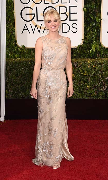 Anna Faris looked elegant in a cream-coloured Reem Acra gown with silver embroidery. 