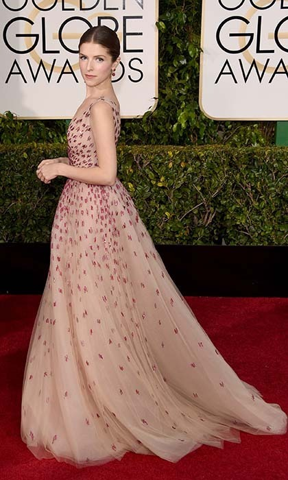 Anna Kendrick made a grand entrance in a beaded Monique Lhuillier gown. 