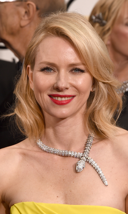 'St. Vincent' star Naomi Watts accented her Gucci gown with a spectacular snake necklace by Bulgari. (Photo: Getty)