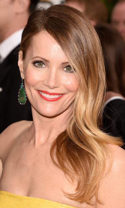 Leslie Mann wore a piece of the rock in her green stone, Kimberly McDonald earrings. (Photo: Getty)