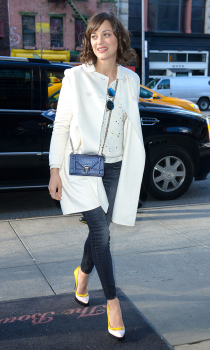 Get The Look Marion Cotillard S Casual Cool Winter Whites