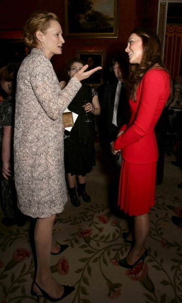 Uma Thurman kept her composure while speaking with Kate at the Buckingham Palace's Dramatic Arts soiree in February 2014.