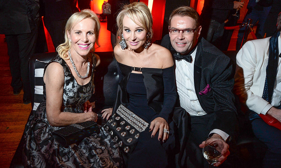 Presenter Suzanne Rogers (centre) and Glen Baxter (right). 