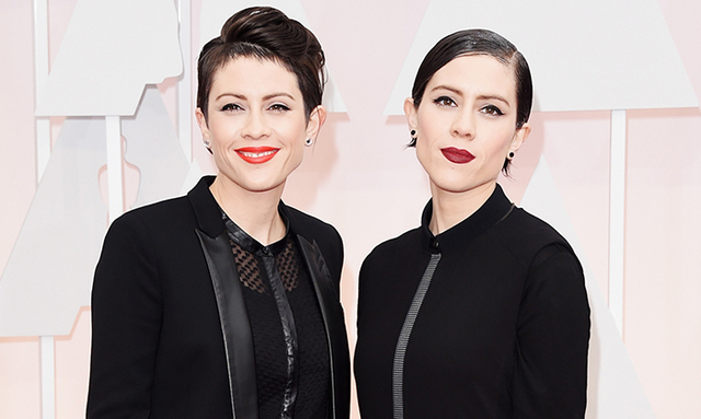 Tegan And Sara Bring Canadian Flare To The Oscars Red Carpet