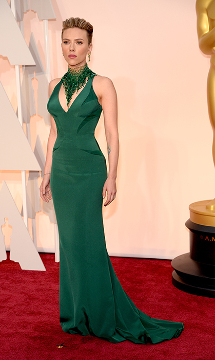 Scarlett Johansson in Versace. Photo: Getty