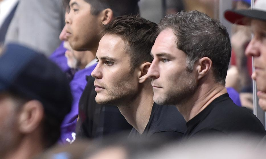 Taylor Kitsch took a break from filming the second season of 'True Detective' to take in a hockey game on Feb. 24 at Staples Center in LA. (Photo: Getty Images)