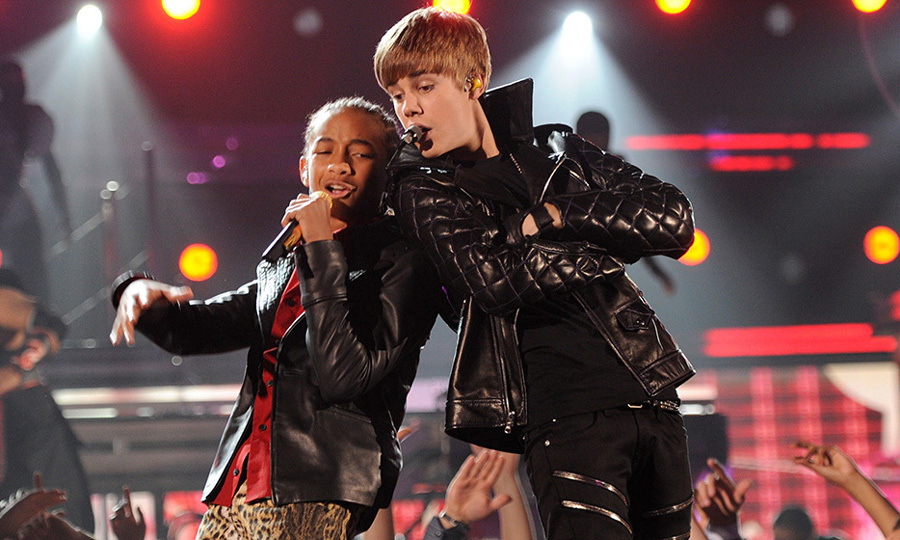 Teen stars Jaden Smith and Justin Bieber teamed up for an onstage performance at the 2011 Grammys sporting matching leather jackets. 