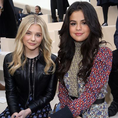 Chlo 235 Grace Moretz And Selena Gomez Hang Out Front Row At