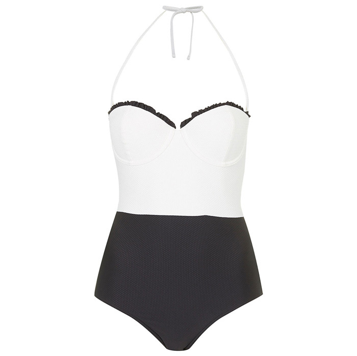 LAID-BACK LOUNGER: 