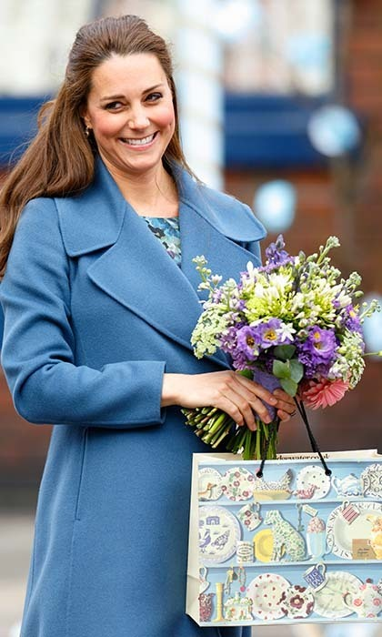 On an official outing in February, 2015, Kate clutched a lovely bouquet of spring flowers.
