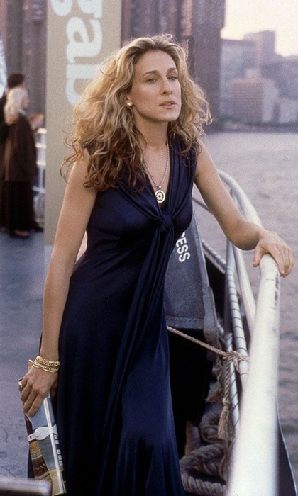 Trapped on a boat party with Mr. Big in a slinky, navy-blue dress in season three.